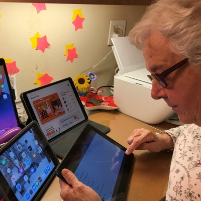 The Sisters of Maison Jésus-Marie in the Digital Age of Tablets